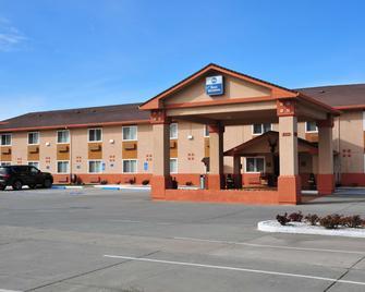 Best Western Antelope Inn & Suites - Red Bluff - Gebouw