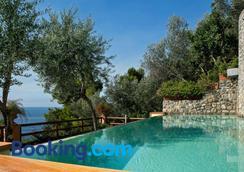 Villa Corallium - Praiano - Bể bơi