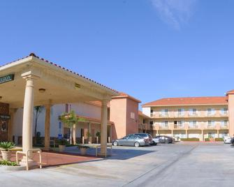 Mid City Inn and Suites - Pico Rivera - Building