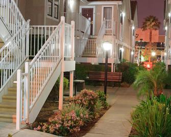 Residence Inn by Marriott Anaheim Placentia/Fullerton - Placentia - Gebäude