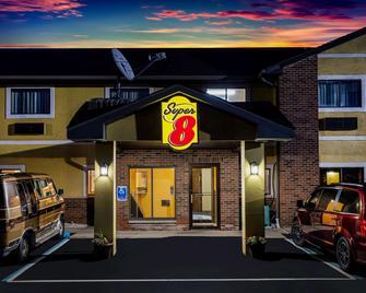 Super 8 by Wyndham Crawfordsville - Crawfordsville - Building
