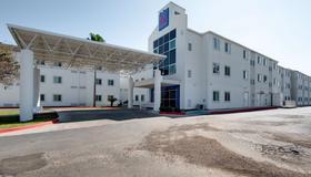 Motel 6 Brownsville, TX - Brownsville - Building