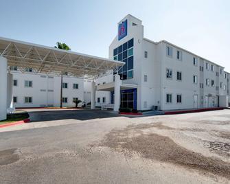 Motel 6 Brownsville, TX - Brownsville - Edificio