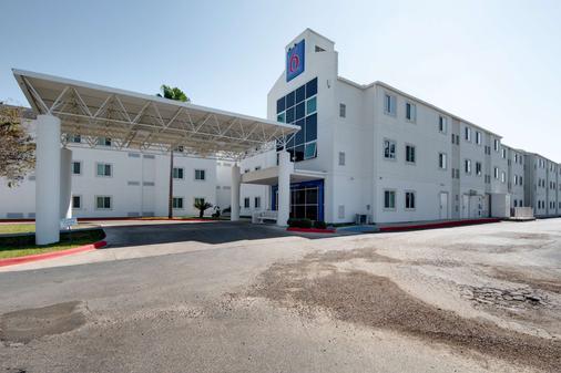 Motel 6 Brownsville, TX - Brownsville - Rakennus