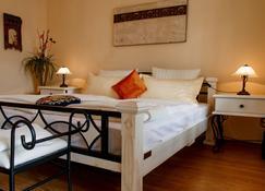 Wellness Villa Miramar - Ostseebad Sellin - Bedroom