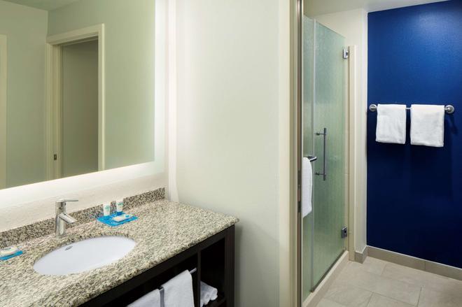 Hyatt House Charlotte Center City - Charlotte - Bathroom