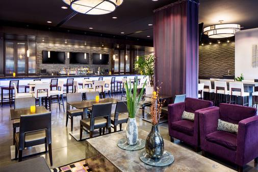 Hyatt House Charlotte Center City - Charlotte - Bar