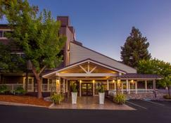 Best Western Plus Inn at The Vines - Napa - Edificio