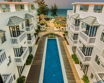 Mary Beach Hotel and Resort - Sihanoukville - Pool