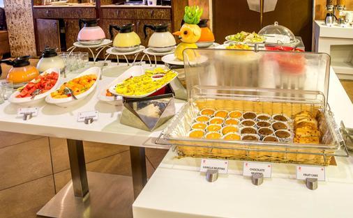 洛克戴爾克拉克套房酒店 - 維沙卡帕特南 - 维萨卡帕特南 - 自助餐
