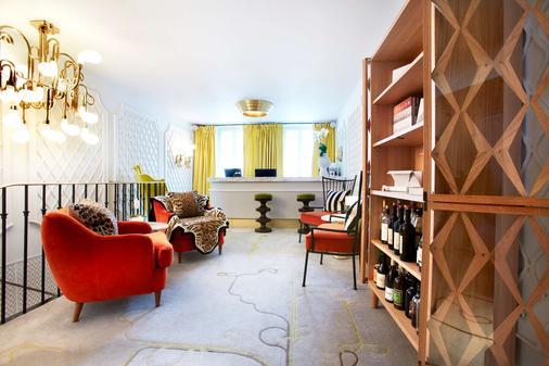 Hotel Thoumieux - Paris - Living room