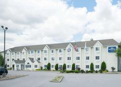 Microtel Inn by Wyndham Beckley - Beckley - Κτίριο