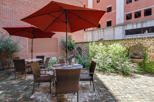 Oglethorpe Lodge - Savannah - Patio