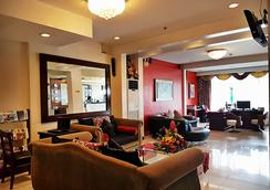 Devera Hotel - Angeles City - Oleskelutila