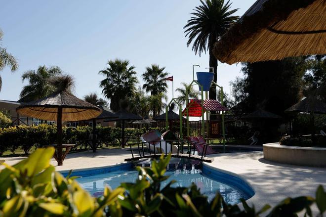 Howard Johnson Hotel & Marinas San Pedro Resort - San Pedro (Buenos Aires) - Piscina