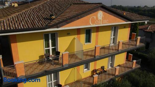 Hotel Confine - Lazise - Toà nhà