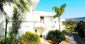 Alba Calabra Residence - Ricadi - Außenansicht