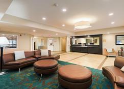 Candlewood Suites Lenexa - Overland Park Area - Lenexa - Lobby