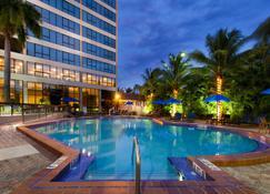 Holiday Inn Miami West - Airport Area - Miami - Basen