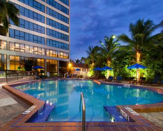 Holiday Inn Miami West - Airport Area - Miami - Piscina