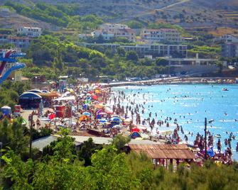 Rooms and apartments Galeb - Паг
