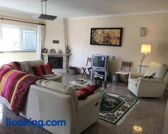 Casa do eirô - Resende - Living room