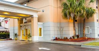 コンフォート イン スイーツ エアポート コンベンション センター - ノースチャールストン