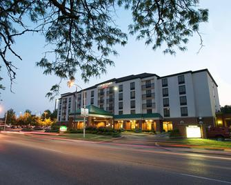 Courtyard by Marriott Bloomington - Bloomington - Building