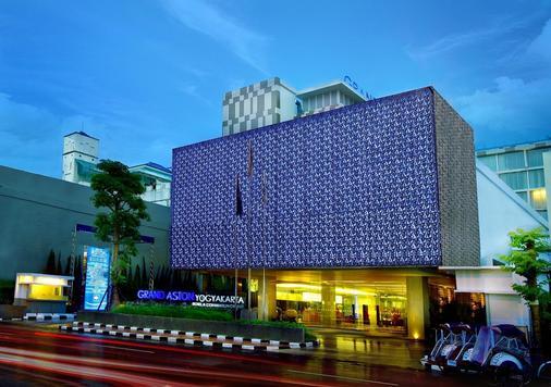 Grand Aston Yogyakarta - Yogyakarta - Building
