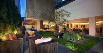 Grand Aston Yogyakarta - Yogyakarta - Patio