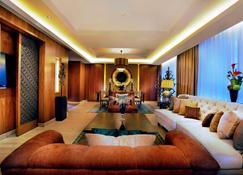 Grand Aston Yogyakarta - Yogyakarta - Sala de estar