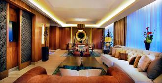 Grand Aston Yogyakarta - Yogyakarta - Living room