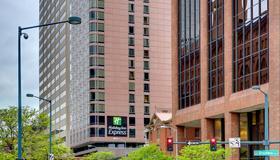 Holiday Inn Express Denver Downtown - Denver - Gebäude