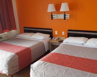 West Texas Inn - Big Spring - Schlafzimmer