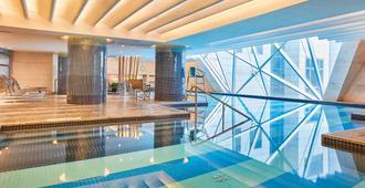 The Westin Bund Center, Shanghai - Thượng Hải - Bể bơi
