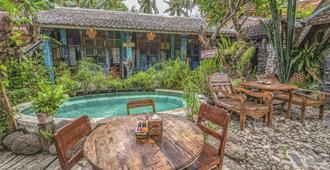Santhiku Hotel, Villas, Yoga & Spa - Banjar - Pool