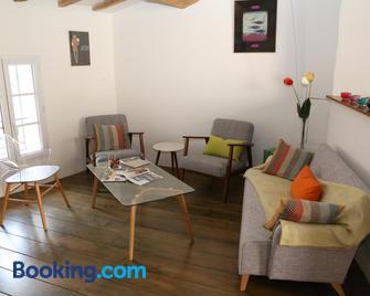 La Bignone - L'Isle-sur-la-Sorgue - Living room