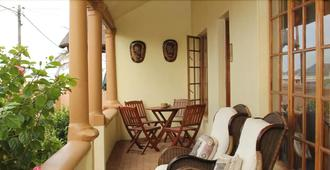 African Dreams Bed And Breakfast - East London