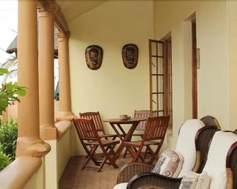 African Dreams Bed And Breakfast - East London - Patio