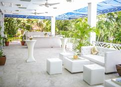 The Jamaica Pegasus Hotel - Kingston - Patio