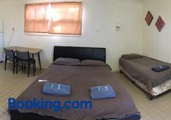 A1 Cabins Ceduna $48 ($̶5̶2̶)  Ceduna Hotel Deals & Reviews
