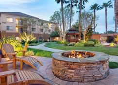 Courtyard by Marriott Milpitas Silicon Valley - Milpitas - Patio