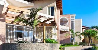 Abayomi Hotel - Ilhabela - Building