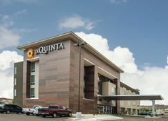 La Quinta Inn & Suites by Wyndham Kingman - Kingman - Building