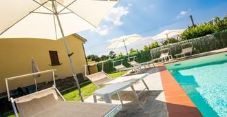 B&B Maesta' Di Cudino - Arezzo - Πισίνα