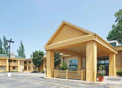 La Quinta Inn by Wyndham Oshkosh - Oshkosh - Edifício