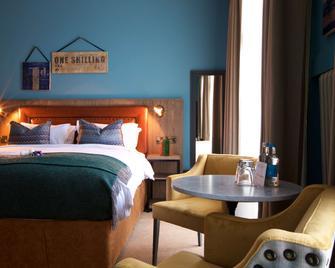 White Horse Hotel - Dorking - Bedroom