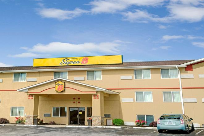 坎薩斯城獨立速 8 酒店 - 獨立城 - 獨立市 - 建築