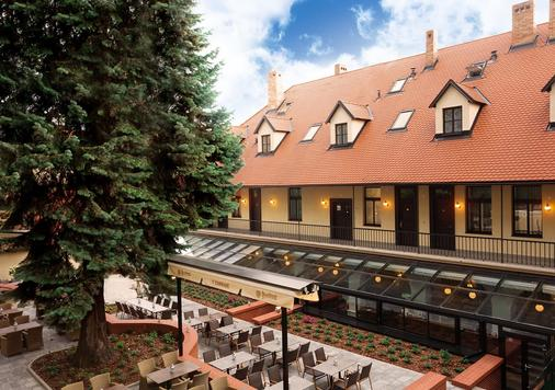 Hotel Schwaiger - Prague - Building