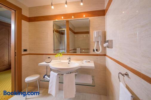 Best Western Hotel Viterbo - Viterbo - Bathroom